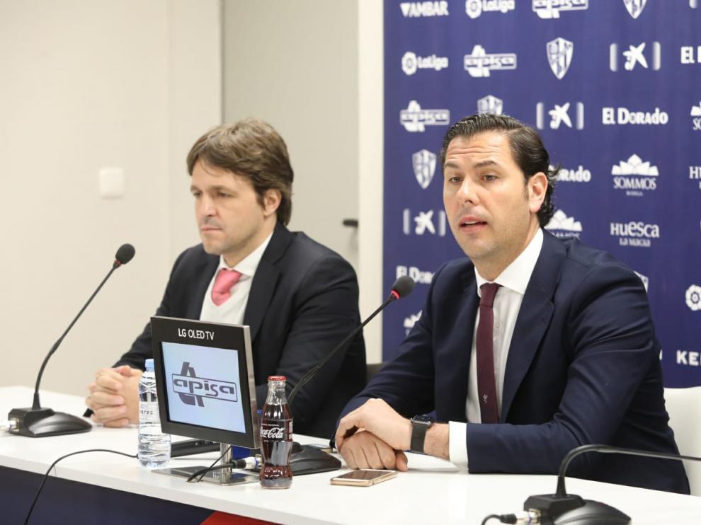 Rubén García, con Josete Ortas durante la presentación del director deportivo.