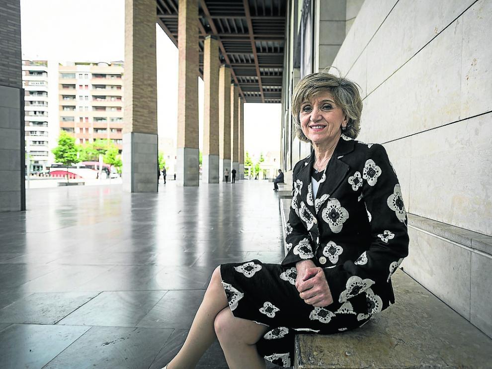 La ministra de Sanidad, María Luisa Carcedo, este martes, durante su visita a Zaragoza.