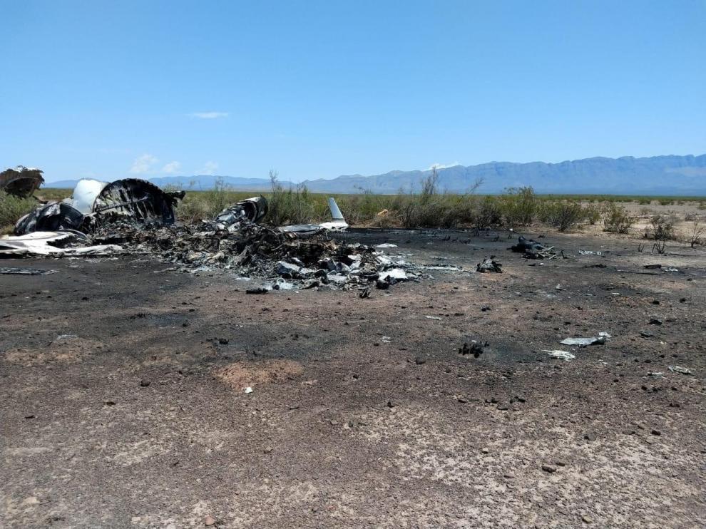 Los restos del avión accidentado en México.