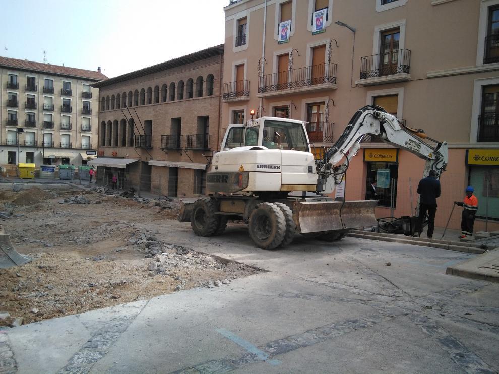 Obras en la plaza de acceso a la catedral de Tarazona