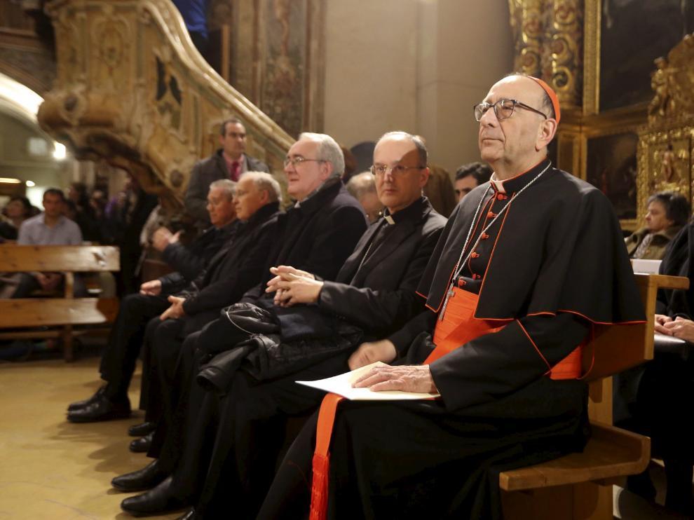 El arzobispo de Barcelona, Juan José Omella, junto al obispo de Huesca, Julián Ruiz, y al de Barbastro-Monzón, Ángel Pérez.