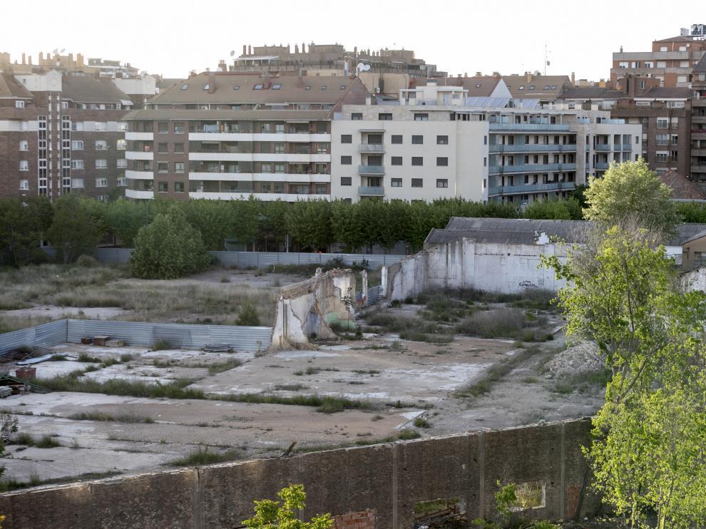 El polígono de las harineras está en el centro de Huesca.