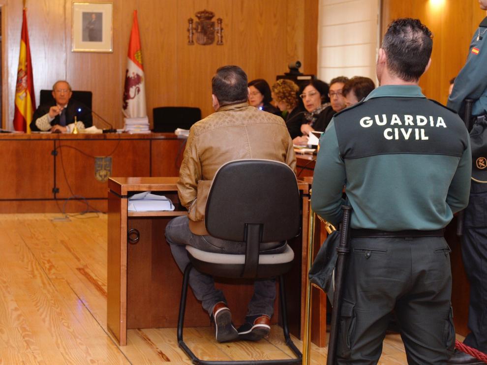 El padre de la niña Sara, de 4 años, declara como testigo en el juicio.