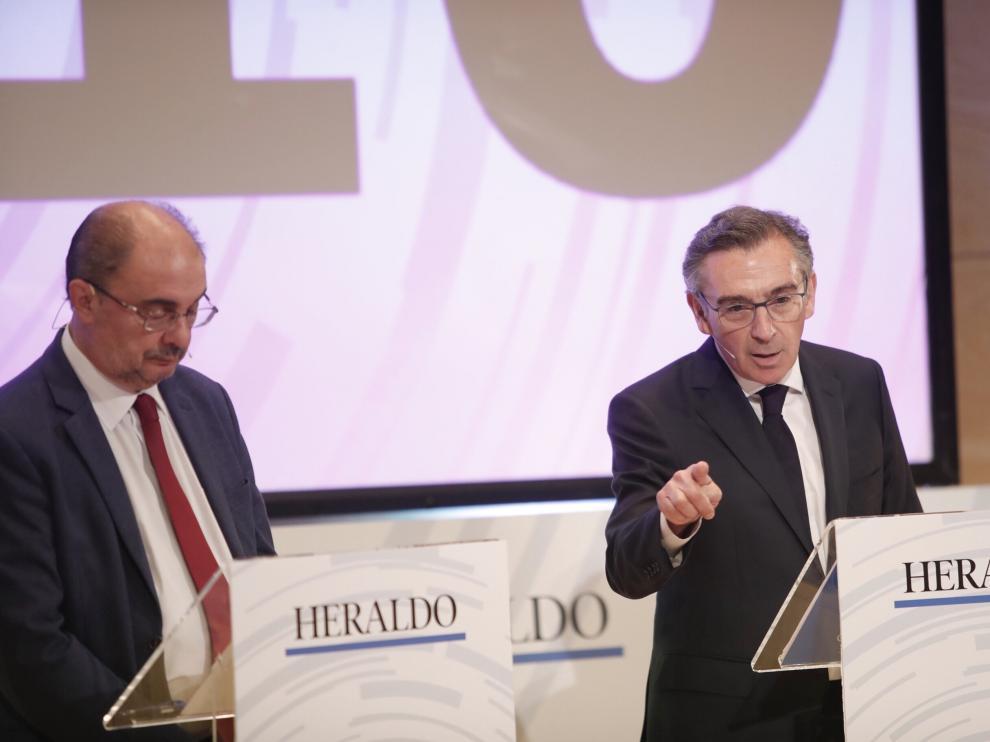 Lambán y Beamonte durante el debate para la presidencia del Gobierno de Aragón.