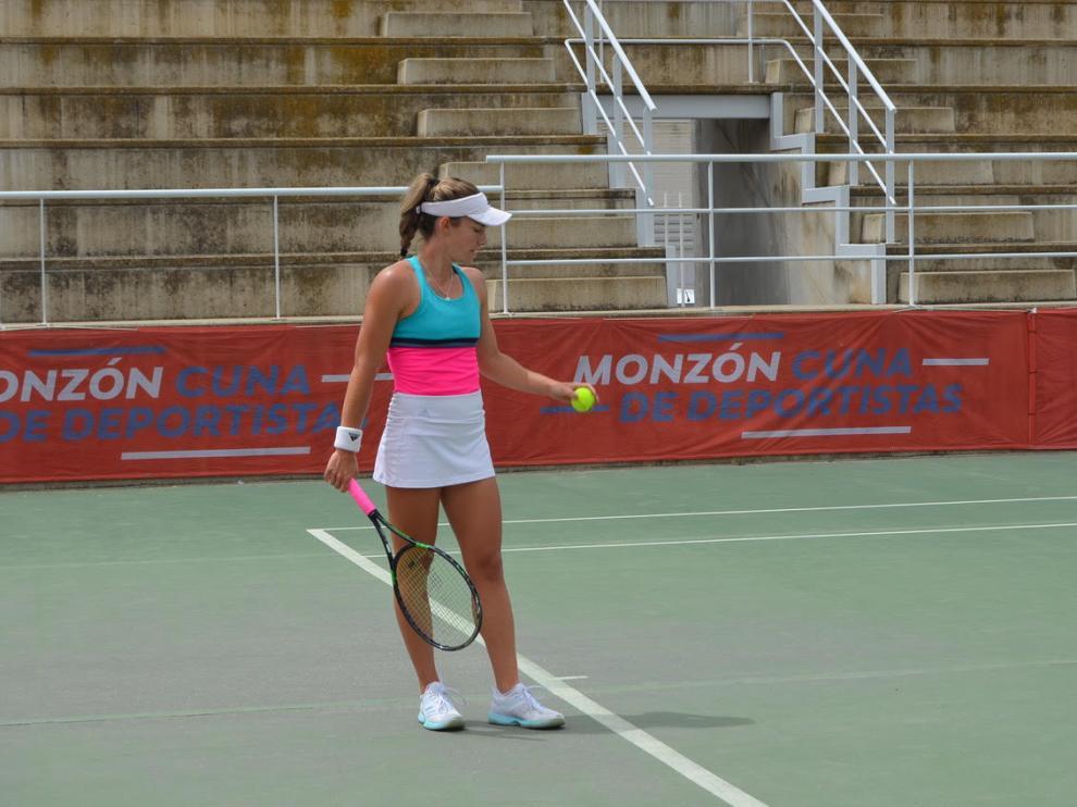 Irene Burillo, en los cuartos de final del Torneo Internacional Conchita Martínez de Monzón.