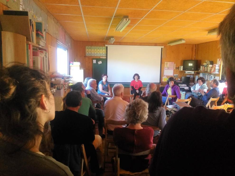 Los candidatos a Cortes de Alto Aragón en Común han participado en la muestra de cine de Aineto
