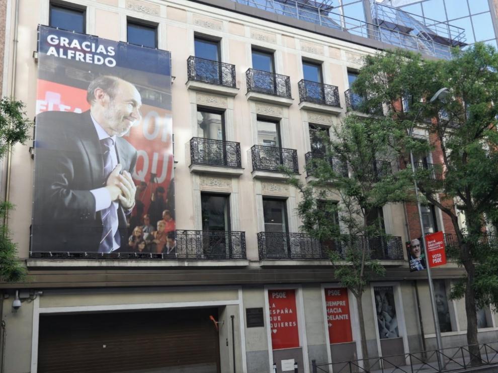 Un recuerdo a Rubalcaba en la sede de Ferraz.
