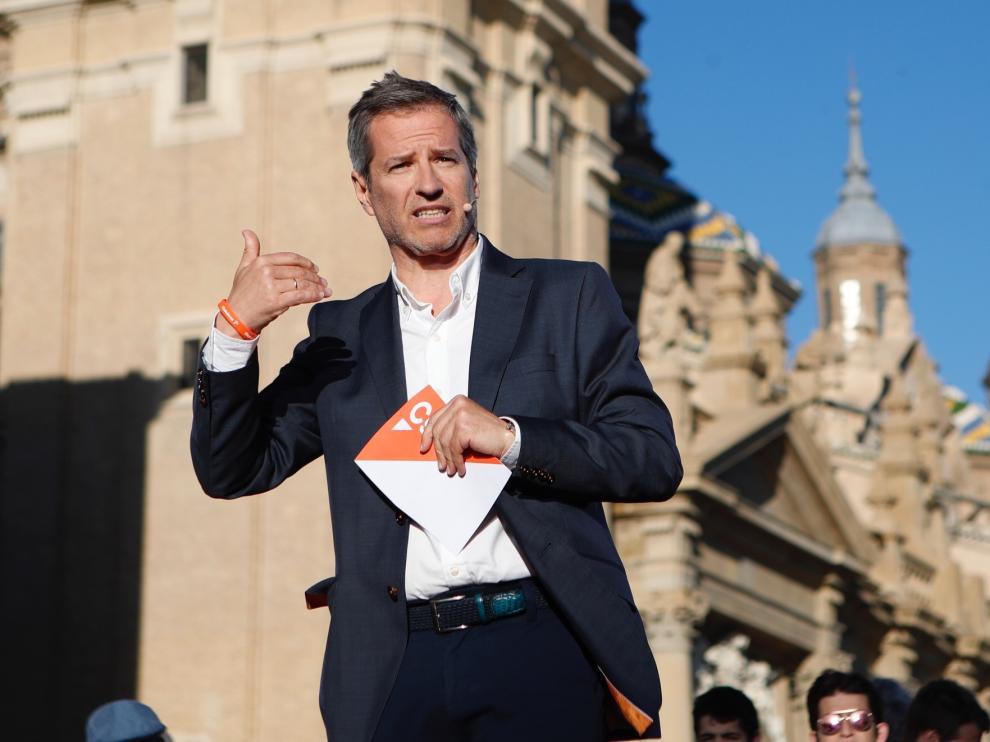 La portavoz nacional de Ciudadanos y líder en Cataluña ha dado un mitin en la Plaza del Pilar.