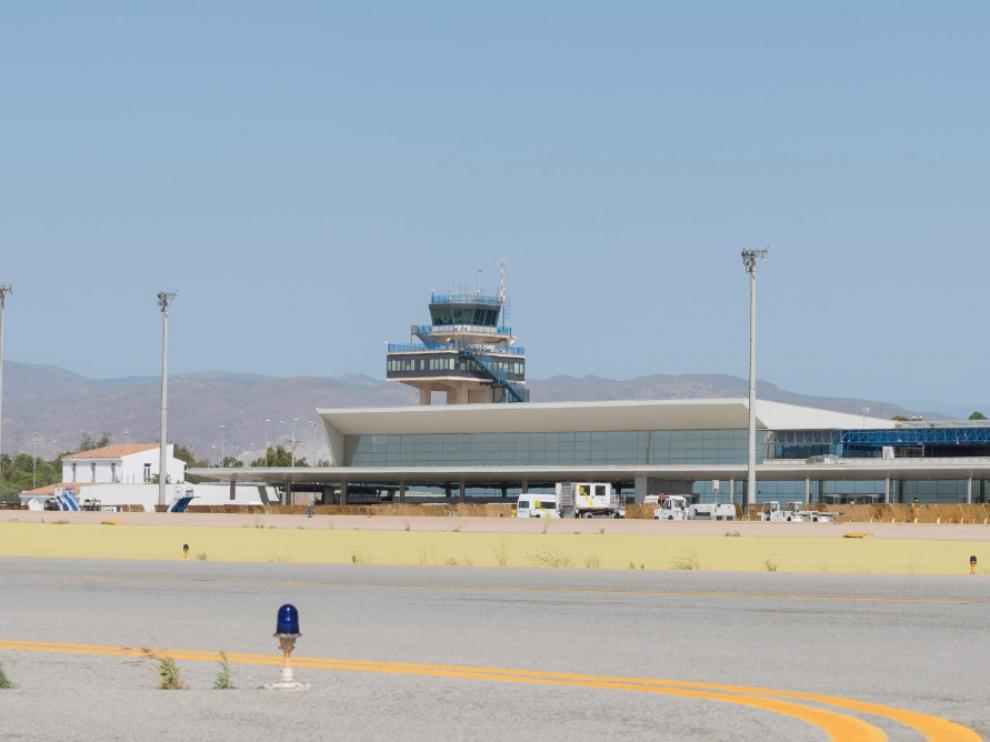 El hombre, de origen polaco, había entrado en la zona restringida de seguridad de la pista en el aeropuerto de Almería.