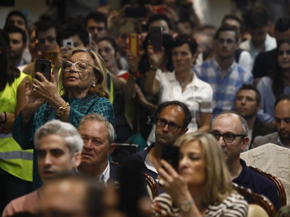 Público en el mitin de Vox ayer en Zaragoza.
