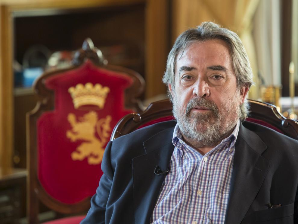 AYUNTAMIENTO DE ZARAGOZA. DESPACHO DEL ALCALDE BELLOCH. Entrevista de ZTV al alcalde de Zaragoza, Juan ALberto Belloch / 03-10-2014 / FOTO: GUILLERMO MESTRE