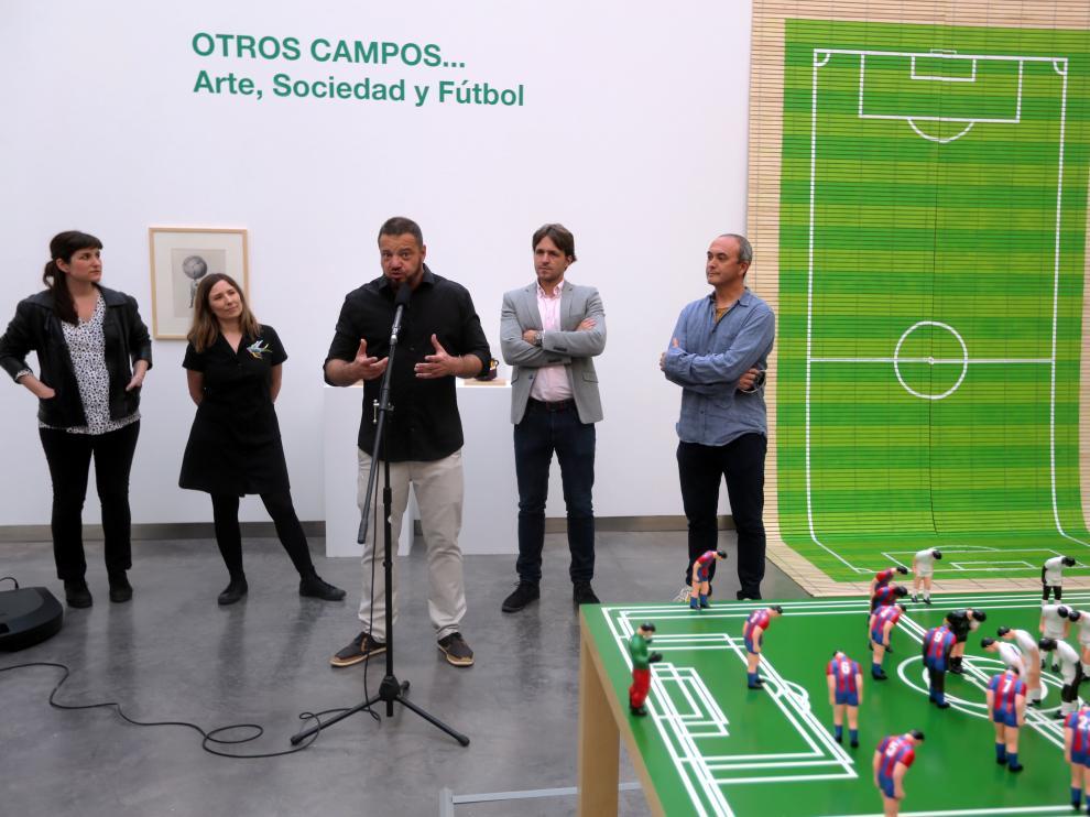 El director del CDAN, Juan Guardiola, explicando los detalles de la temporada expositiva.