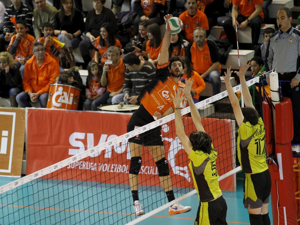 Superliga de Voleibol.  Partido Cai Voleibol Teruel - Club Voleibol Zaragoza. Foto Antonio Garcia/Bykofoto. 02-02-13