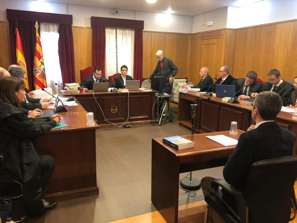El conservador barcelonés ha echado mano de la tesis doctoral, publicada en un libro, de la conservadora del Museo Diocesano y Comarcal de Lérida, la doctora Carmen Berlabé.