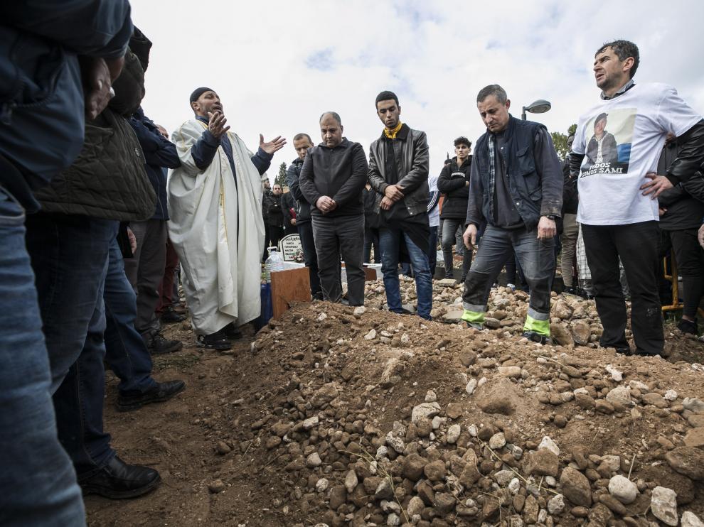 El funeral de Sami congregó a cientos de personas en el cementerio musulmán de Torrero. El crimen de Sami Hamidi se produjo el 18 de noviembre de 2018 en pleno centro de Zaragoza el 20 de noviembre de 2018.
