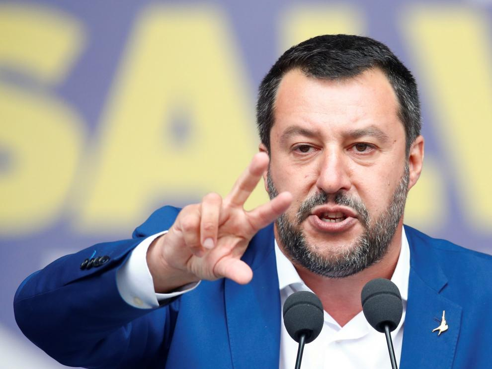 Italy's Deputy Prime Minister Matteo Salvini addresses a major rally of European nationalist and far-right parties ahead of EU parliamentary elections in Milan, Italy May 18, 2019. REUTERS/Alessandro Garofalo [[[REUTERS VOCENTO]]] EU-ELECTION/ITALY-SALVINI