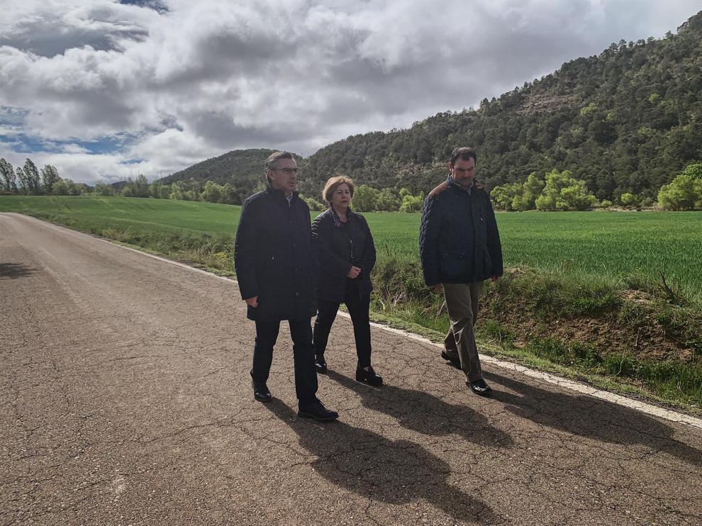 El candidato del PP al Gobierno de Aragón mira al futuro y establece el eje Cantábrico-Mediterráneo, el Canfranc y la Travesía Central por el Pirineo como los grandes retos