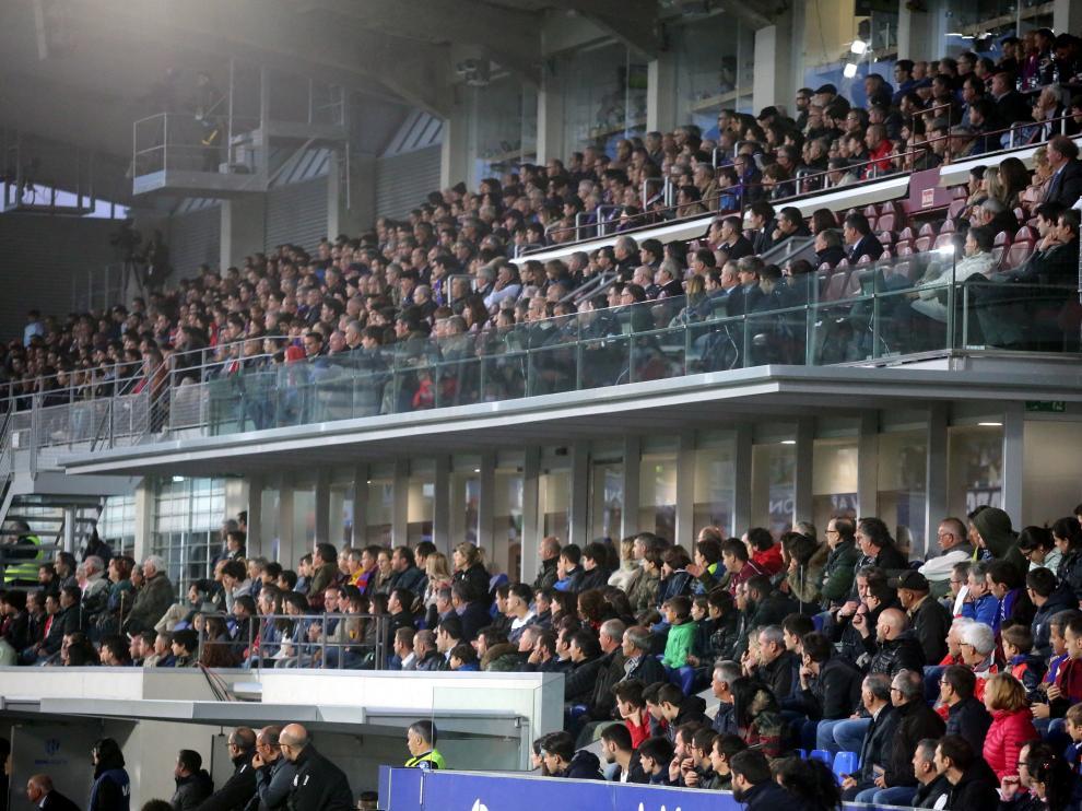 Imagen de la zona de Preferencia y Tribuna durante el partido con el Leganés.