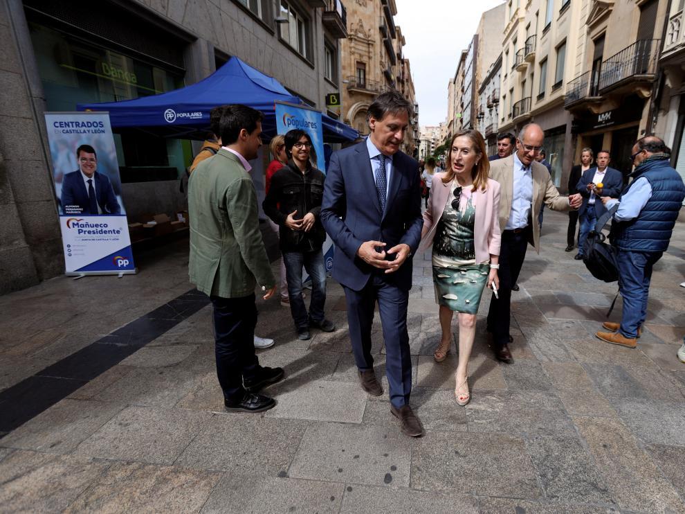 La presidenta del Congreso, Ana Pastor, en su visita a Salamanca.