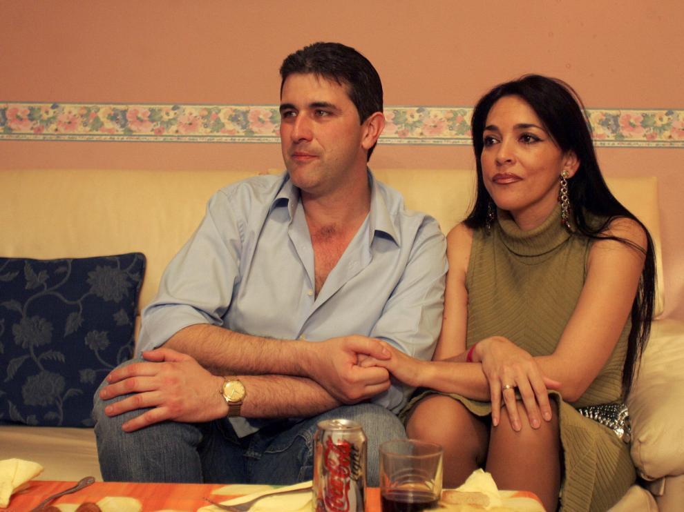Pedro e Inma, en una imagen de 2006 en su domicilio en Zaragoza.