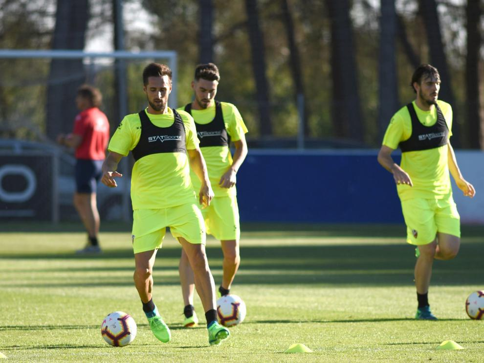 Miramón, Moi Gómez y Eugeni, tres futbolistas que podrían jugar en Primera.