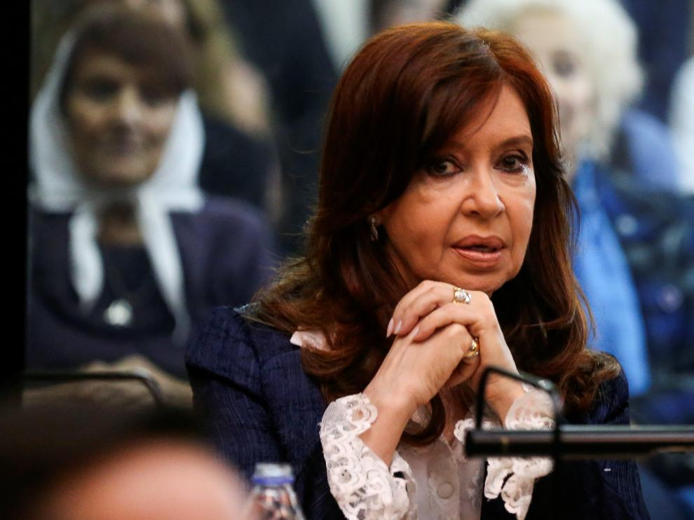 Former Argentine President Cristina Fernandez de Kirchner looks on in a court room before the start of a corruption trial, in Buenos Aires, Argentina May 21, 2019. REUTERS/Agustin Marcarian [[[REUTERS VOCENTO]]] ARGENTINA-FERNANDEZ/