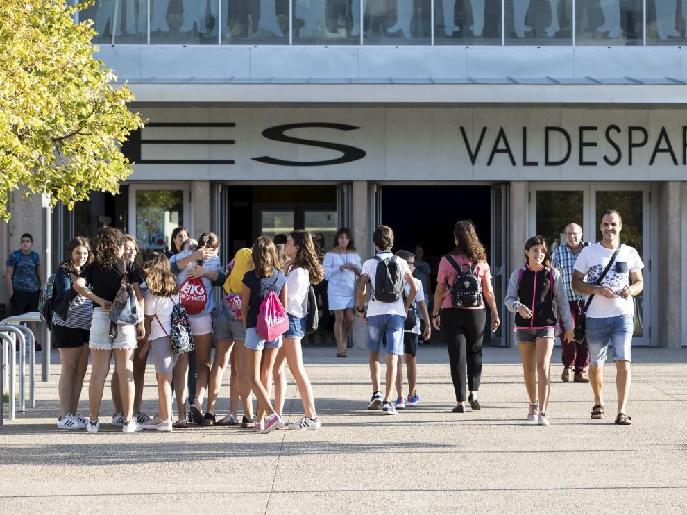 INICIO DEL CURSO ESCOLAR DE EDUCACION SECUNDARIA ( IES VALDESPARTERA ) / 13/09/2018 / FOTO : OLIVER DUCH [[[FOTOGRAFOS]]]