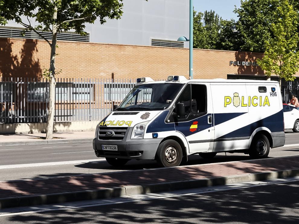 Traslado del detenido por el acuchillamiento de la calle Lacarra / 21-05-2019 / Foto: Oliver Duch [[[FOTOGRAFOS]]]