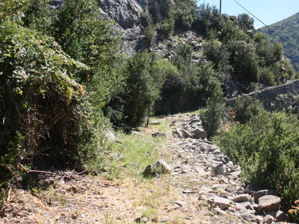 Tramo de calzada romana en el valle de Hecho (Huesca)