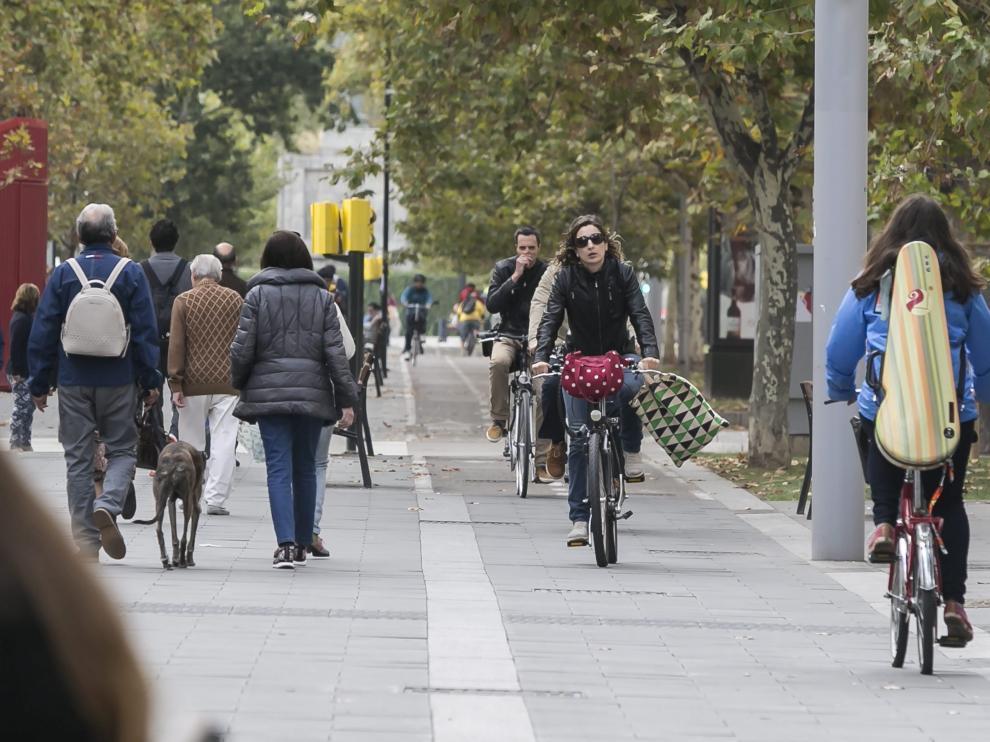 El carril bici de Gran Vía es el más utilizado de la ciudad.