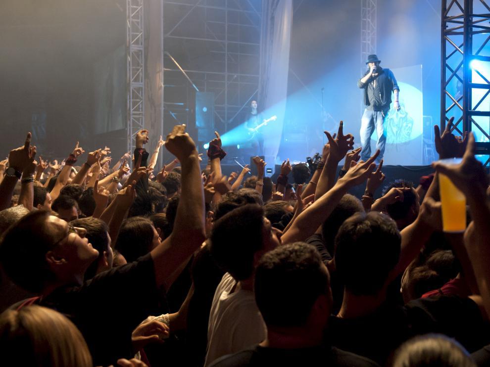 Kutxi Romero, en el concierto de Marea de las Fiestas del Pilar de 2012.