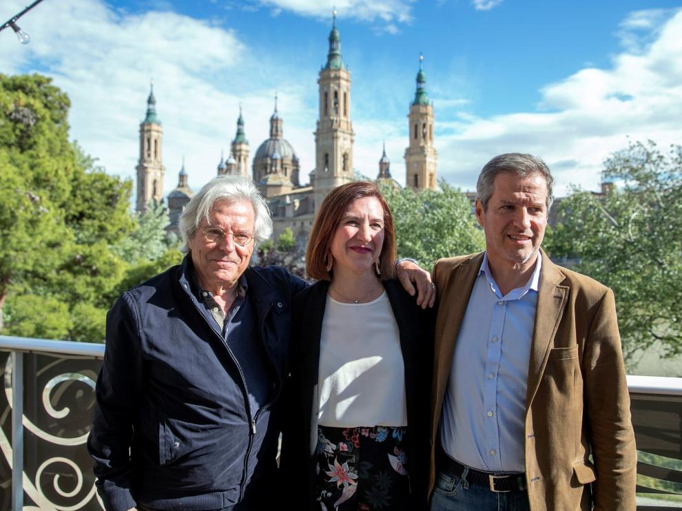 Javier Nart junto a los candidatos de Ciudadanos a la alcaldía de Zaragoza y el Gobierno de Aragón.