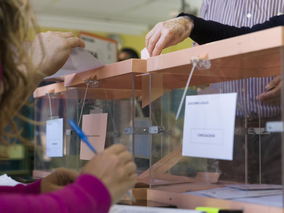 ARAGON VOTACIONES ELECCIONES MUNICIPALES, AUTONOMICAS Y EUROPEASCOLEGIO CANDIDO DOMINGO / 26-05-2019 / FOTO: ARANZAZU NAVARRO [[[FOTOGRAFOS]]]