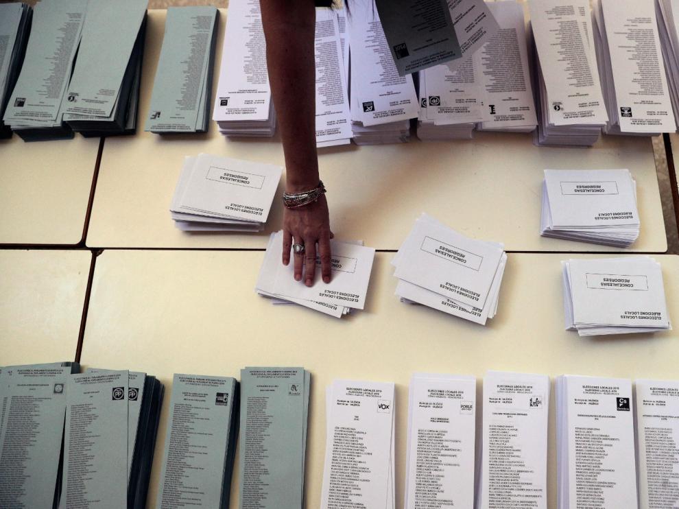 Papeletas en un colegio electoral.