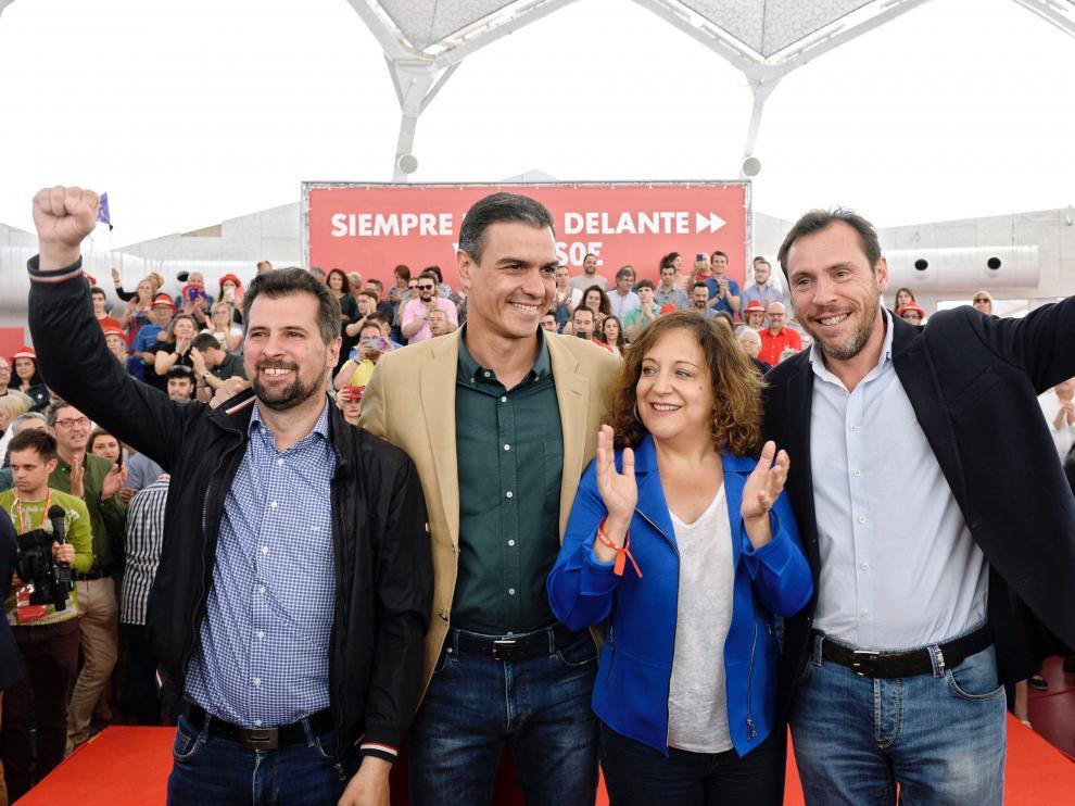 Iratxe García junto a Pedro Sánchez en un acto electoral del PSOE.