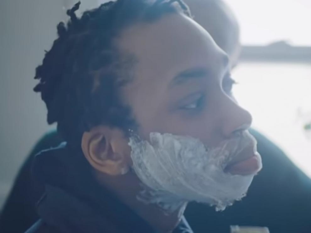 Samson, el protagonista del anuncio de Gillette, en su primer afeitado.