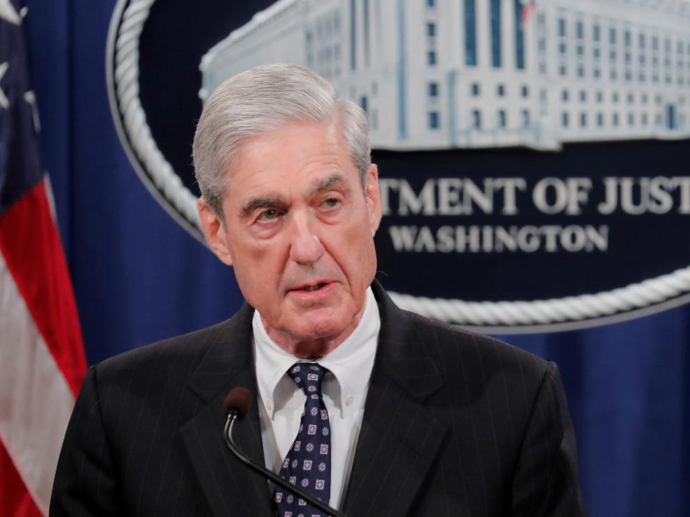 FILE PHOTO: U.S. Special Counsel Robert Mueller makes a statement on his investigation into Russian interference in the 2016 U.S. presidential election at the Justice Department in Washington, U.S., May 29, 2019. REUTERS/Jim Bourg - RC11EAF538C0/File Photo [[[REUTERS VOCENTO]]] USA-TRUMP/RUSSIA-DEMOCRATS