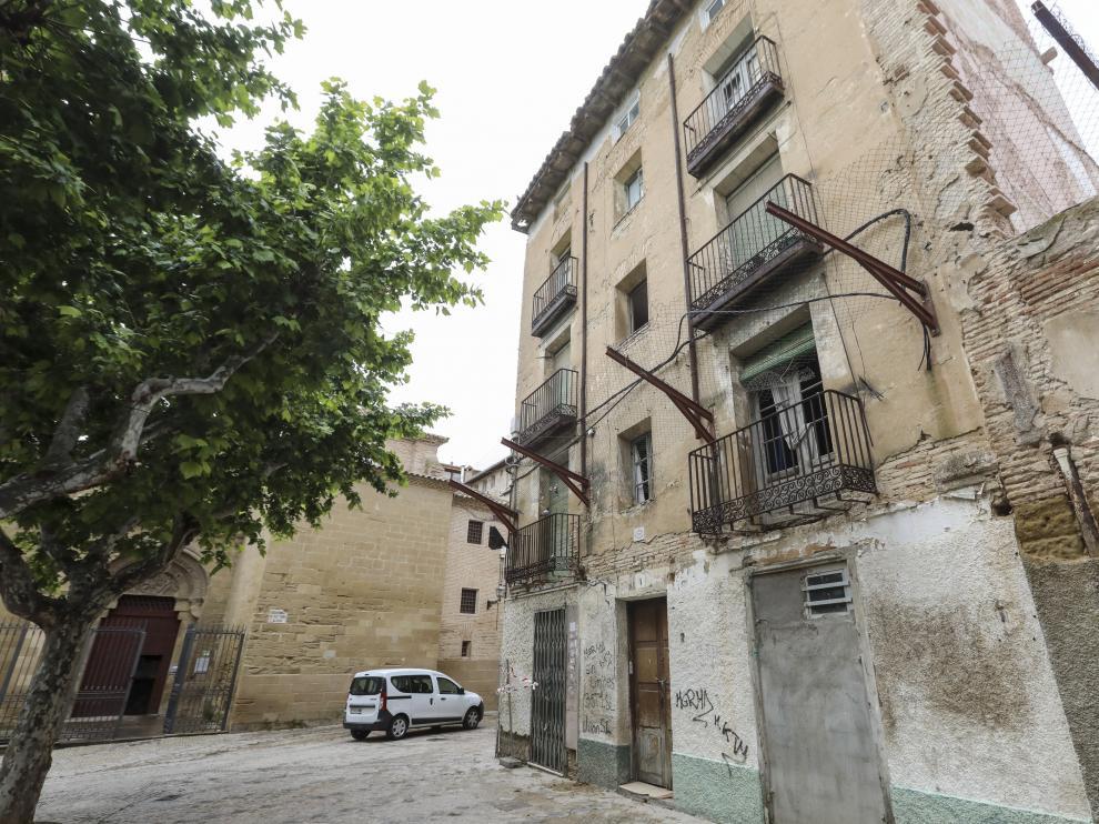 El edificio de la plaza de San Pedro que se va a demoler es del siglo XVIII