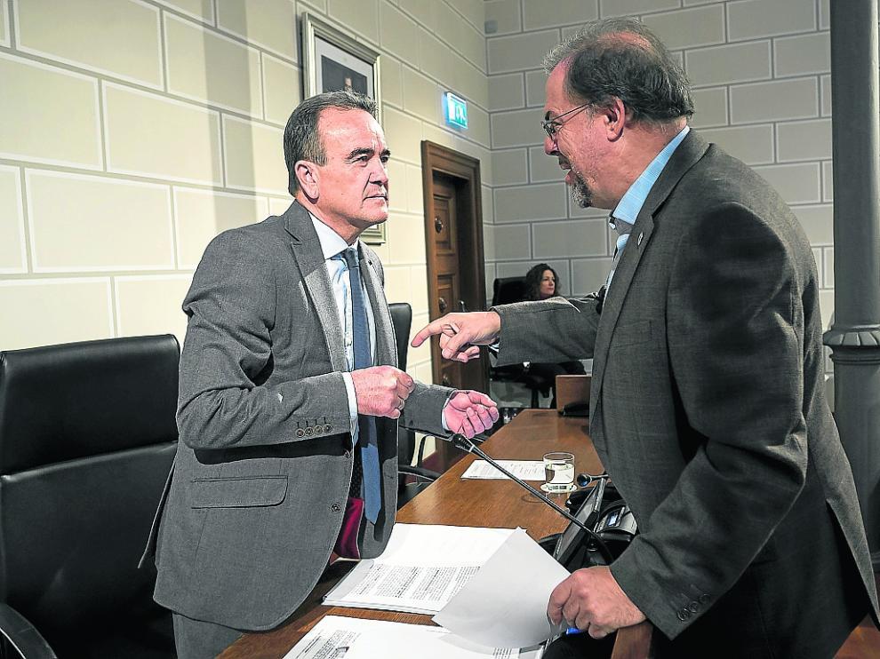 Bizén Fuster, diputado de CHA en la DPZ durante la pasada legislatura, junto a Sánchez Quero.
