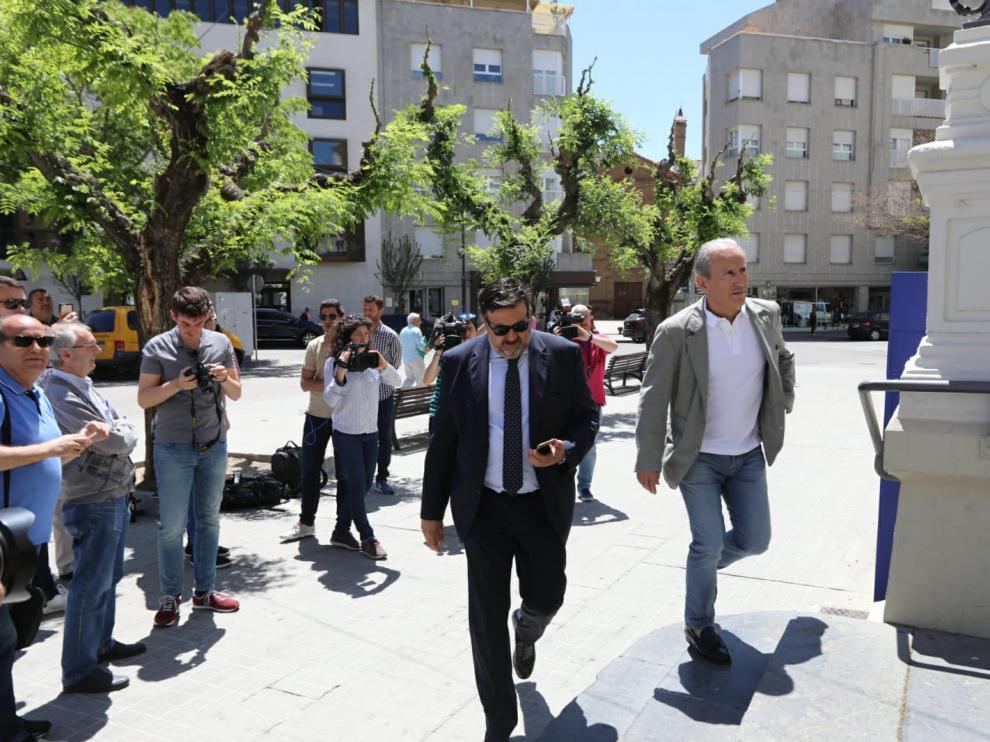 Los consejeros Torres y Petón han llegado juntos al consejo de administración extraordinario.
