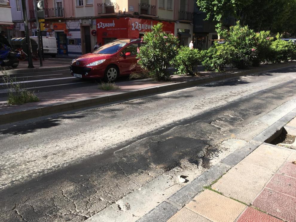 Baches en la avenida de Madrid