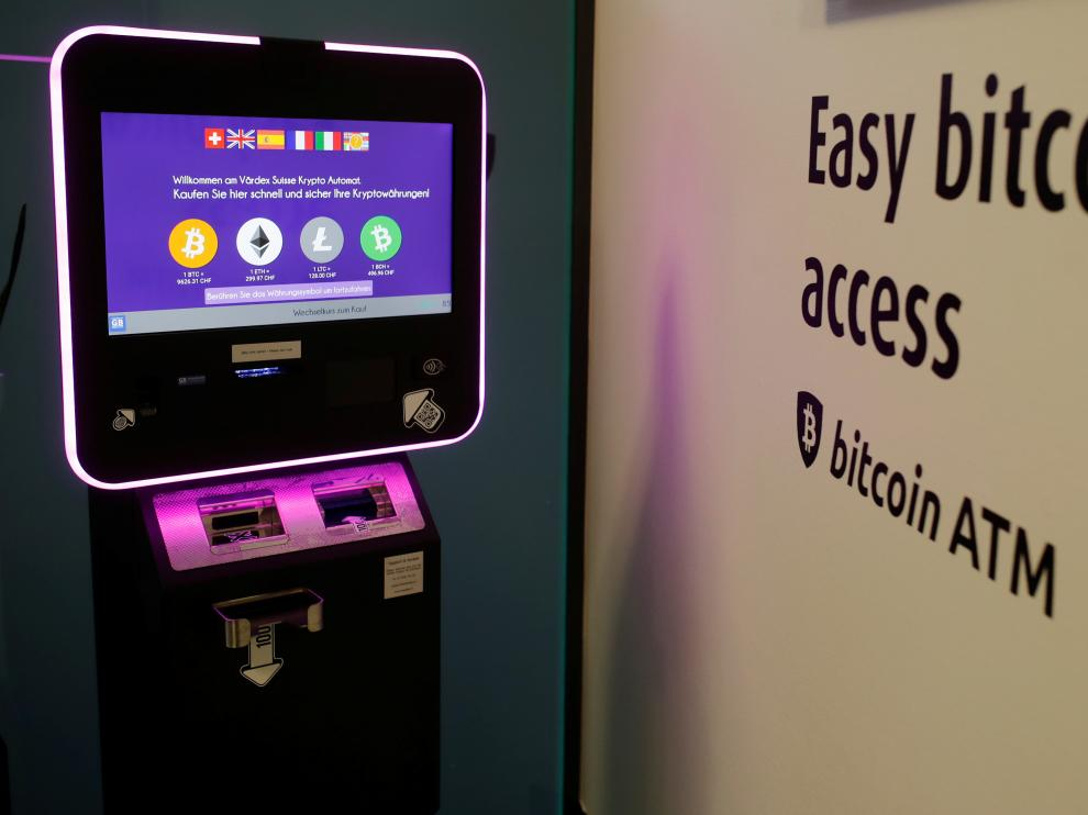 The exchange rates and logos of Bitcoin (BTH), Ether (ETH), Litecoin (LTC) and Bitcoin Cash (BCH) are seen on the display of a cryptocurrency ATM of blockchain payment service provider Vaerdex at the headquarters of Swiss Falcon Private Bank in Zurich, Switzerland May 29, 2019.  REUTERS/Arnd Wiegmann [[[REUTERS VOCENTO]]] SWISS-CRYPTOCURRENCY/