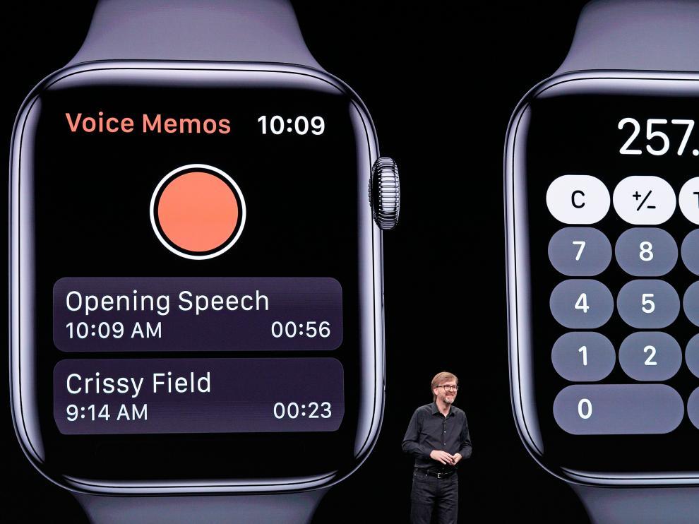 En la imagen se puede ver una calculadora y una aplicación para notas de voz para el Apple Watch
