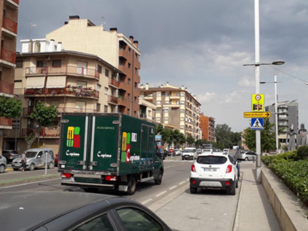El cinemómetro provisional se ha instalado en la calle de San Juan Bosco.
