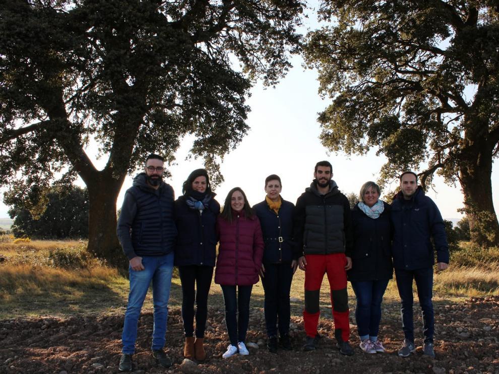 Foto de grupo de la candidatura Ambel es + durante la campaña electoral.