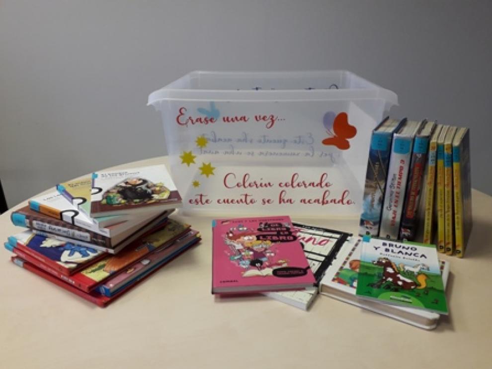Los libros llegarán en dos cajas, en tres entregas.