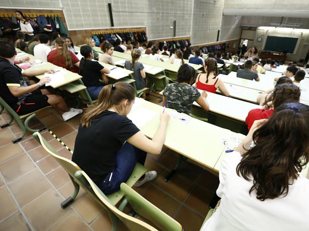 Los estudiantes se examinaron de Historia, primera prueba de la Evau.