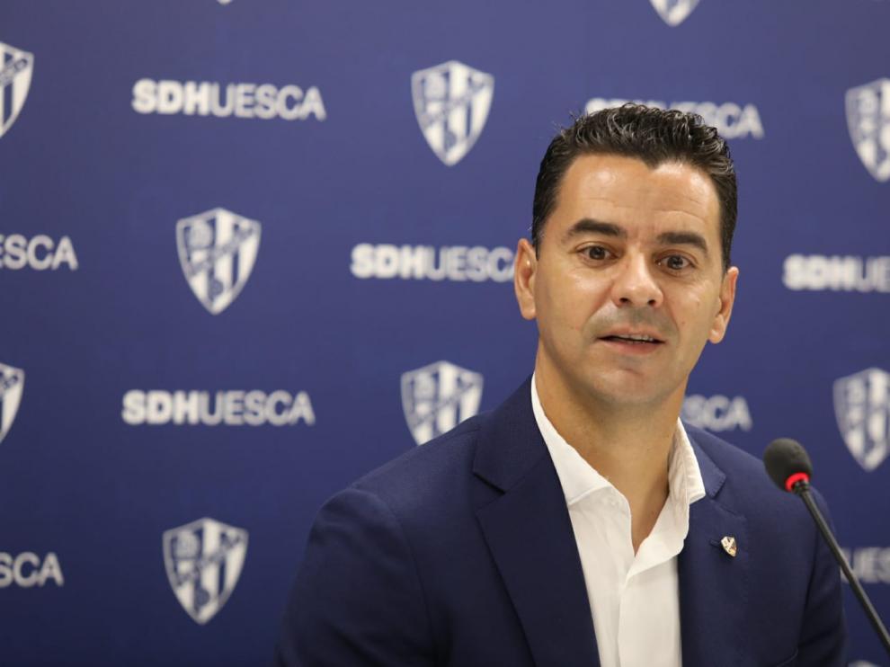 Míchel Sánchez, este miércoles en la sala de prensa de El Alcoraz.