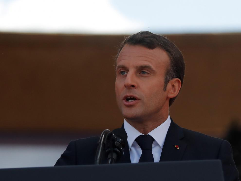 French President Emmanuel Macron delivers a speech during the commemoration ceremony for the 75th anniversary of D-Day at the American cemetery of Colleville-sur-Mer in Normandy, France, June 6, 2019. REUTERS/Carlos Barria [[[REUTERS VOCENTO]]] DDAY-ANNIVERSARY/USA-TRUMP-MACRON