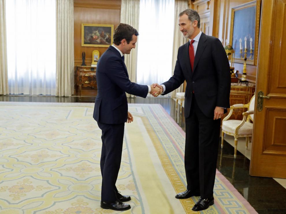 El Rey recibe al presidente del PP, Pablo Casado, en la Zarzuela.